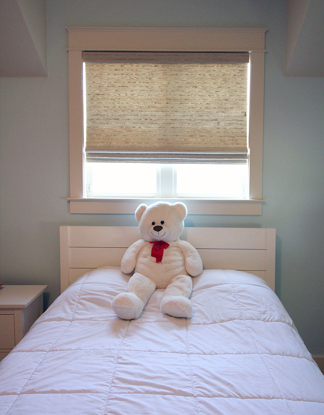 child's bedroom with cordless woven shades in San Antonio, TX home